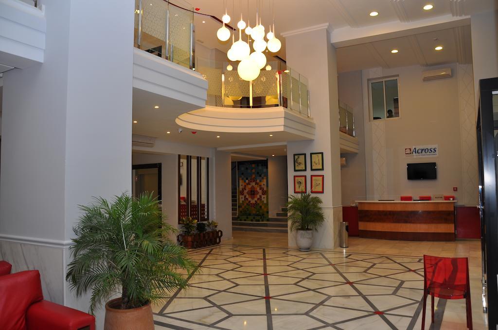 Foto Hotel ACROSS