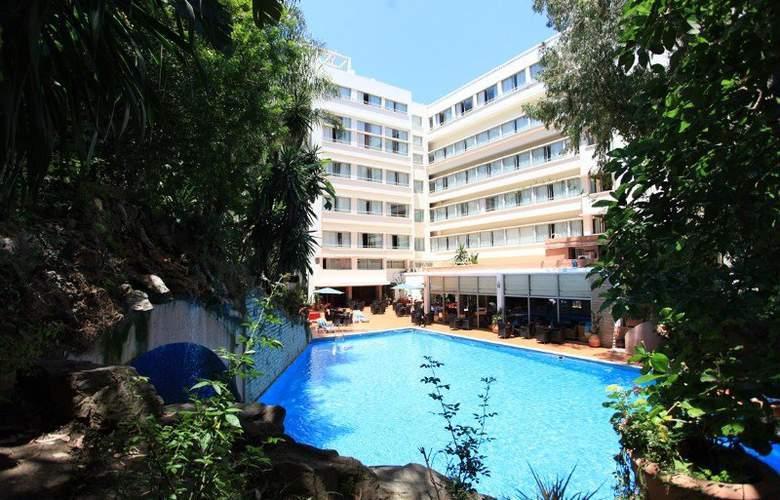 Reserva oferta de viaje o vacaciones en Hotel ATLAS RIF & SPA