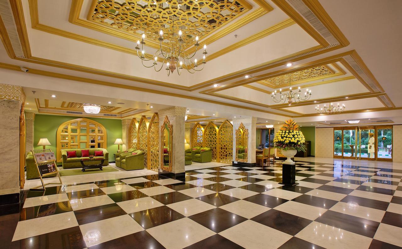 Reserva oferta de viaje o vacaciones en Hotel CLARKS SHIRAZ