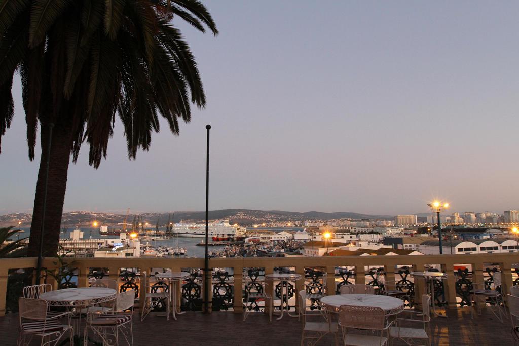 Reserva oferta de viaje o vacaciones en Hotel CONTINENTAL
