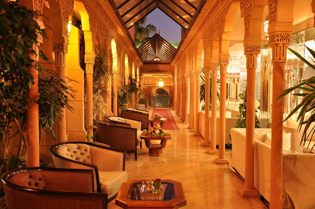 Reserva oferta de viaje o vacaciones en Hotel FES INN