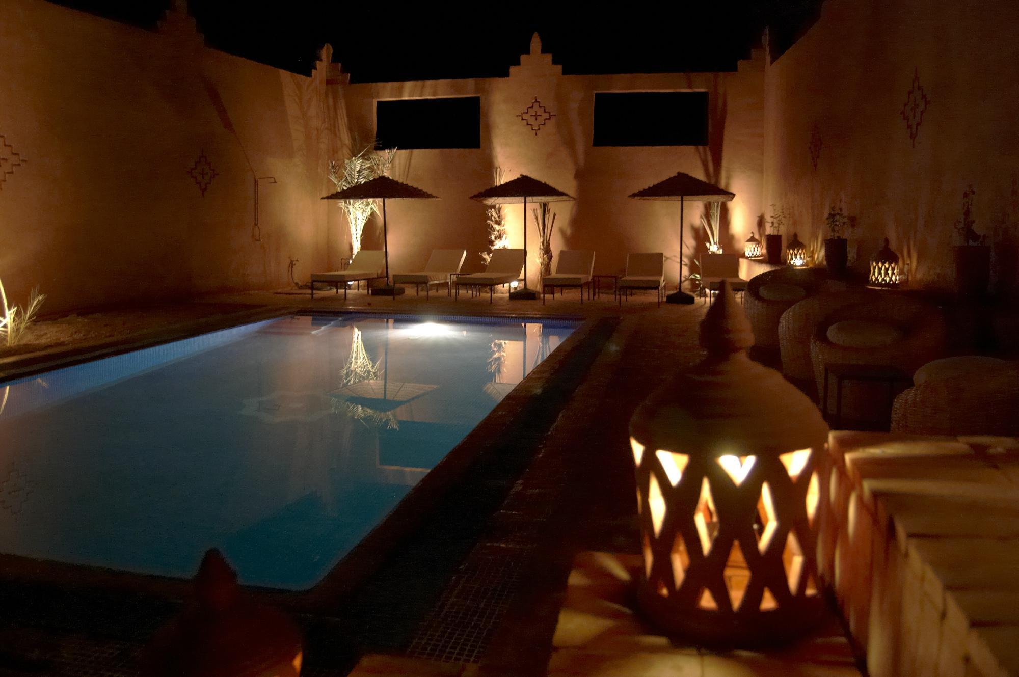 Foto Hotel RYAD BOUCHEDOR